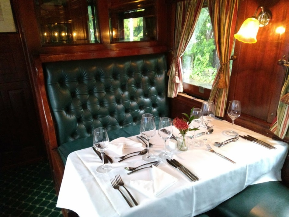 jantar no trem